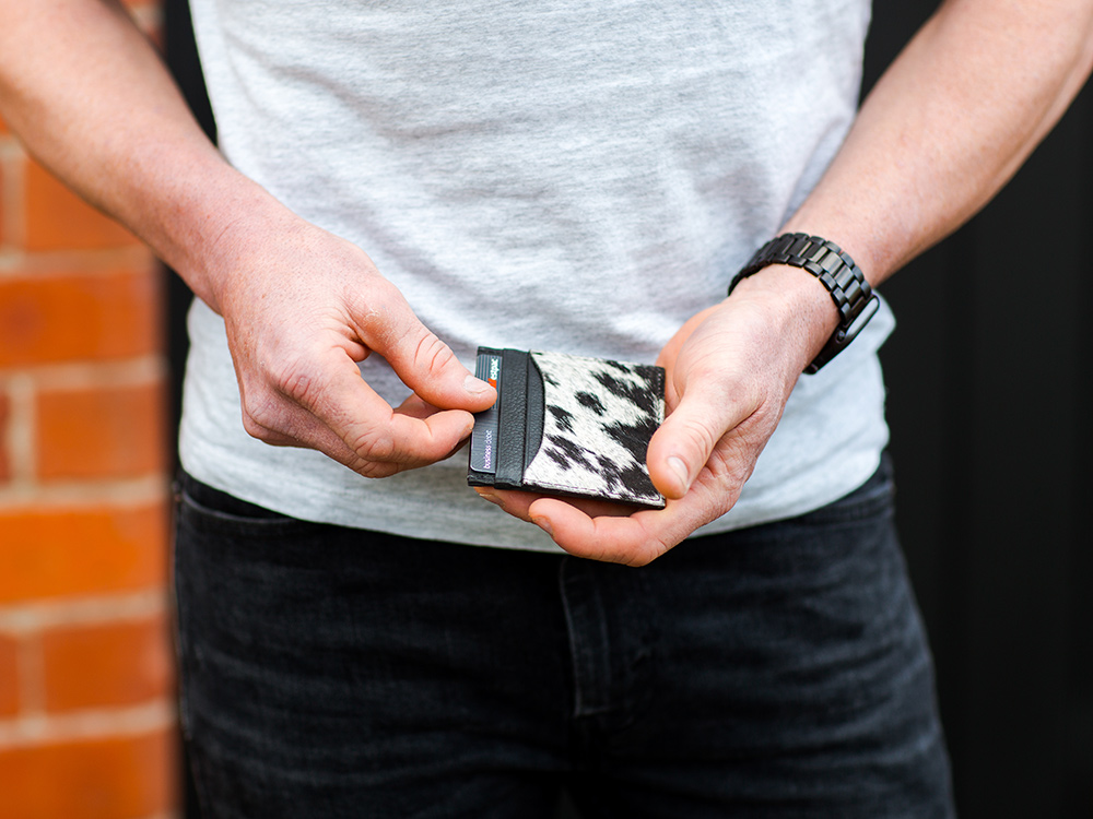 Belle Couleur - Luca Black and White Cowhide card wallet